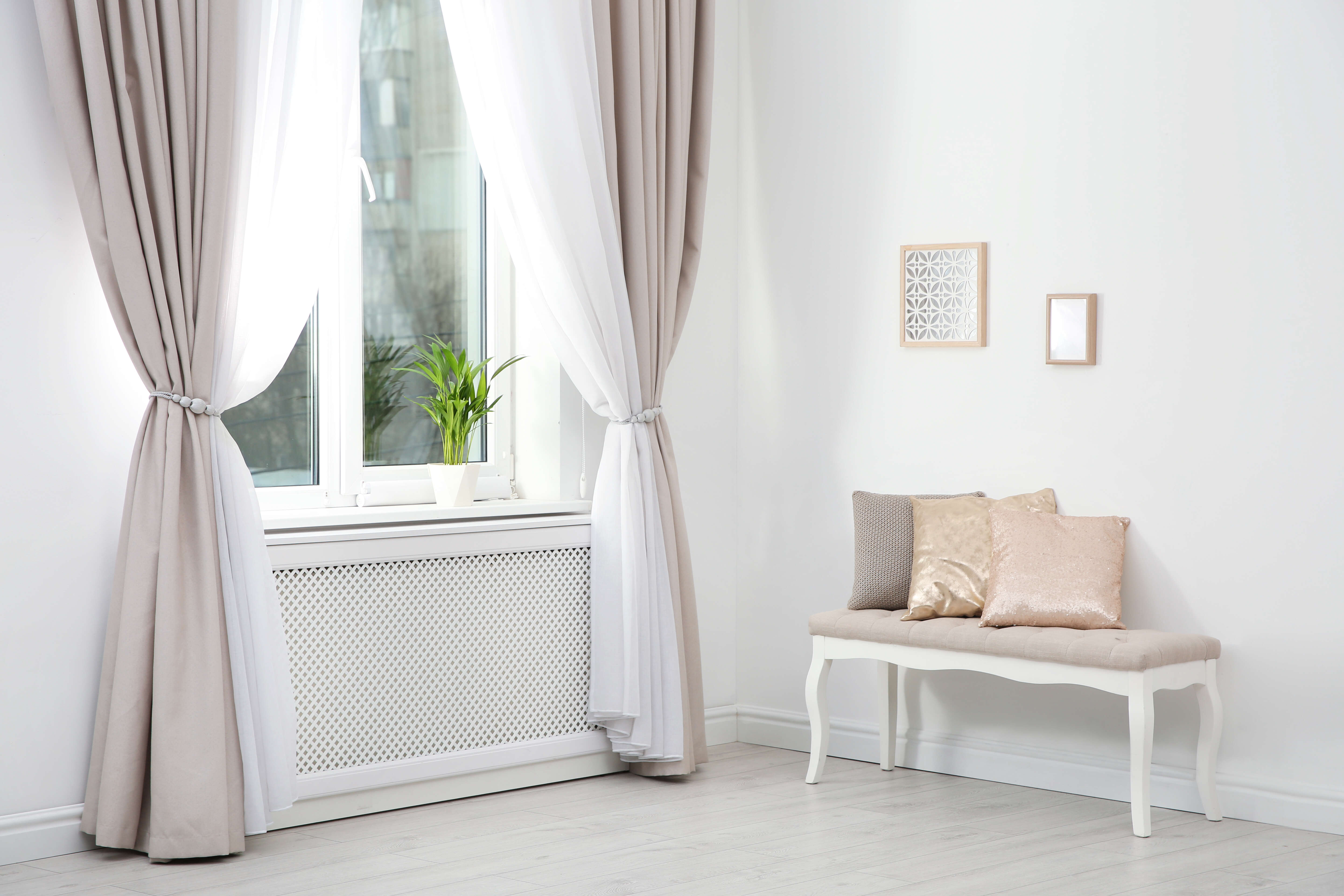 Minimalistic curtains for window